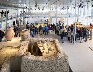 Public au musée de Saint-Romain-en-Gal