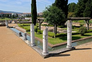 Maison des Dieux Océan grand jardin-Site archéologique de Saint-Romain-en-Gal