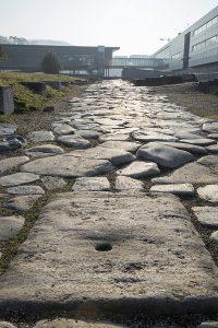 Rue pavée dalles de granit