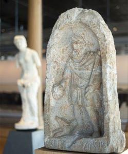 Stele Sucellus au musée de Saint-Romain-en-Gal
