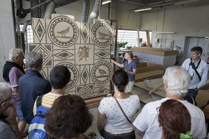 Viste de l'atelier de restauration de mosaiques à Saint-Romain-en-Gal